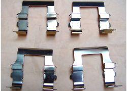 Sada příslušenství na brzdové destičky přední Mitsubishi Outlander od rv 05.03