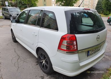 opel-zafira-mpv-biely-19-cdti-diesel-110-kw-ver-sport-large (4)