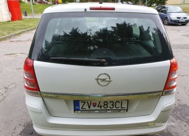 opel-zafira-mpv-biely-19-cdti-diesel-110-kw-ver-sport-large (8)